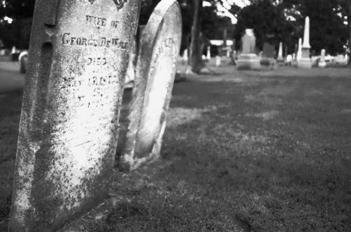 Grave908